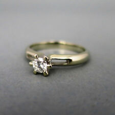 Natürliche sehr gut geschliffene Ringe aus Weißgold mit Diamanten