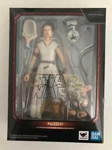 Bandai S.H. Figuarts Star Wars: Rise of Skywalker - Rey & D-O; used; stand