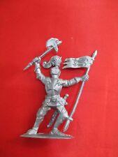 JEM Figurine moyen age 1/32 soldat porte drapeau Norev Non peint
