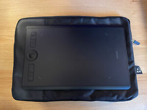 Wacom Intuos Pro Medium Graphics Tablet