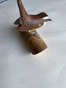 Hand Carved & Painted Wren Figurine Glass Eyes L. McLaughlin Levittown Pa G14-2