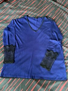 Blue Long Sleeved Thin Jumper With Detailing At Cuffs And Neckline