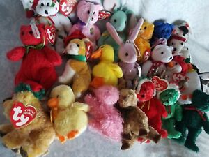 LOT of 20 JINGLE Beanie Babies, Ty Basket Beanies, Mint Condition w/ tags, Minis