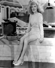 Jean Arthur UNSIGNED photo - H5446 - The More the Merrier