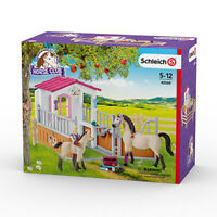 Schleich 42369 Horse Stall With Arab Horses And Groom (Horse Club)