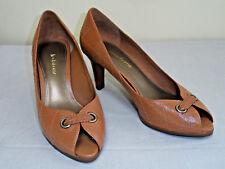 Liz Claiborne Beige Leather Peep-toe Closed Back Heels Pumps Shoes Size 7 M