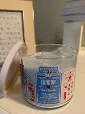 Bath & Body Works: 14.5 Oz London Tea & Biscuits 3-Wick Candle