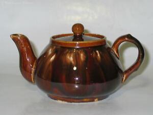Bendigo Pottery Waverley Ware Teapot. Australian Pottery