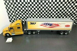 Franklin Mint Peterbilt 387 Sleeper Tractor w/Reefer Trailer-1:32 Diecast Boxed
