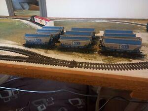 Oo gauge  Hornby  Hopper  Wagons