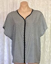 CAPTURE SIZE 14 BLACK & WHITE GEOMETRICAL DESIGN TOP
