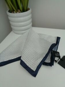 BNWT HUGO BOSS Navy White Pattern Pocket Square Handkerchief Hankie