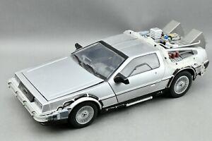 BACK TO THE FUTURE PART III 1:15 SCALE TIME MACHINE DIAMOND SELECT DELOREAN CAR