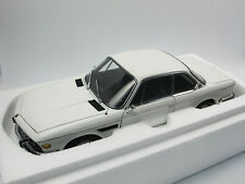 AUTOart 70671 1971 BMW 3.0 CSi (E9) weiß Modellauto 1:18 in OVP