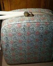 small vintage suitcase carry on