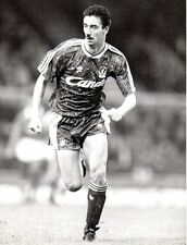 Original Press Photo Liverpool FC Ian Rush 1989 running on one leg