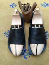 Gucci Mens Sandals Flip Flop Black Leather Shoes UK 8 US 9 EU 42 Embossed GG
