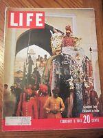 Life Magazine Grandest Tour Queen Elizabeth in India February 1961