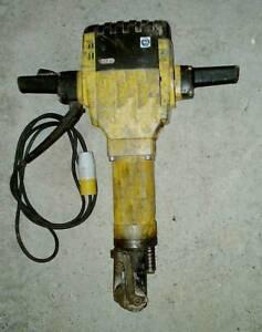 Bosch GSH27 heavy duty Road Breaker