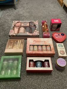 10 Beauty & Home Gift Sets - all brand new unopened