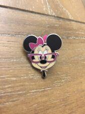 Disney Pin - Minnie Mouse - Big Head Nerd pin
