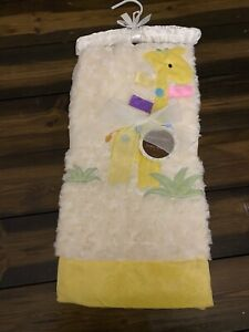 BNWT Gorgeous & Soft Yellow Giraffe Baby Blanket. Great Gift For Easter/New Baby