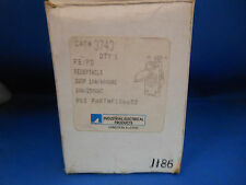 Thomas & Betts Receptacle 3743 10A@600V 20A@250V 2W 3P