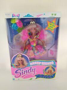 Hasbro 1991 Sindy doll party lights