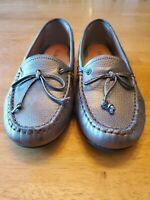 LL BEAN Womens  Leather Driving Moccasin Style 293461 Loafers Pewter Size 6.5M
