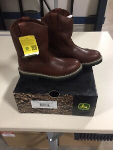 New In Box Size 4.5M John Deere JD3113 Youth Dark Brown Pull On Boot