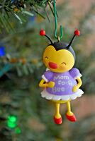 Hallmark: Mom To Bee - Expectant Mother - 2015 Keepsake Ornament