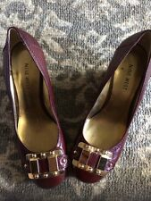 Nine West Tomago Wedge Pumps 6M Burgundy Leather Round Toe Gold Buckle Accent