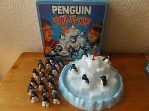 PENGUIN PILE-UP GAME