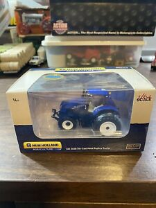 SpecCast New Holland T7.315 Toy Tractor 1.64 Scale Die Cast Metal Replica