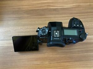Panasonic LUMIX G9 Digital Camera with Box and Extra Batteries!