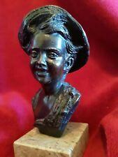 scultura in bronzo firmata De Martino.