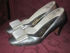 Vintage 1950's 1960's Silver Gray Leather Heels by Palizzio Size 5.5