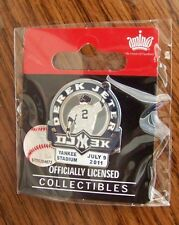 NY N.Y. New York Yankees DEREK JETER 3000 hits lapel pin Yankee Stadium dated