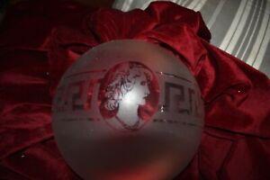 Ancien globe boule verre pour lampe pétrole frise grecque tête de femme