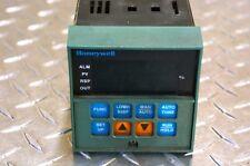 Honeywell Temperature Controller DC3002-0-000-2-00-0111