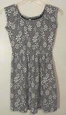 Xhileration Women's Dress Size Small S Black White Floral Above Knee Cap Sleeve