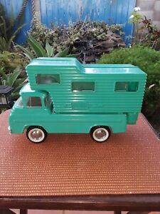 Nylint Ford Pick-up and camper