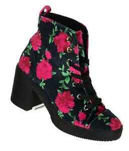 Betsey Johnson Womens Tilde Fashion Ankle Boot Size 5.5M Black Velvet Red Roses