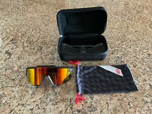 100% Speedcraft sunglasses kit.  Case, and clear lens included.