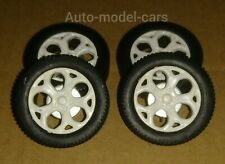 SET OF WHITE WHEELS AND DISC BRAKES IN 1/18 SCALE  FOR MODIFYING OR REPLACE