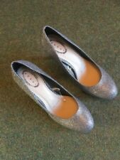 Debut Ladies Court Shoe In Silver Size 5