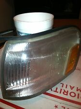 TOYOTA CRESSIDA CORNER SIGNAL LIGHT LAMP USED Drivers Left side 89 90 91 92