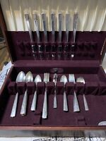 Oneida Caprice Nobility Plate Silverware Set With Chest. 43 Pieces