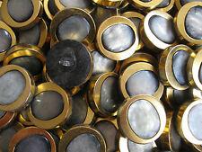 16 BOUTONS ANCIENS EN PLASTIQUE ET MÉTAL DORÉ VINTAGE -- 28 mm -- N°52