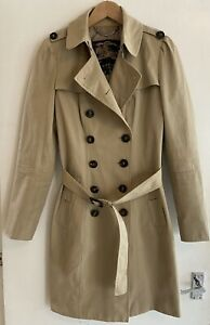 Flattering Burberry Prorsum vintage trench coat. size 42, would fit 10/12